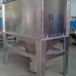 Stainless steel filter with hopper