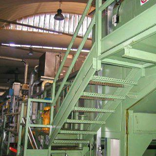 Passerelle in grigliato per asservimento impianto industriale